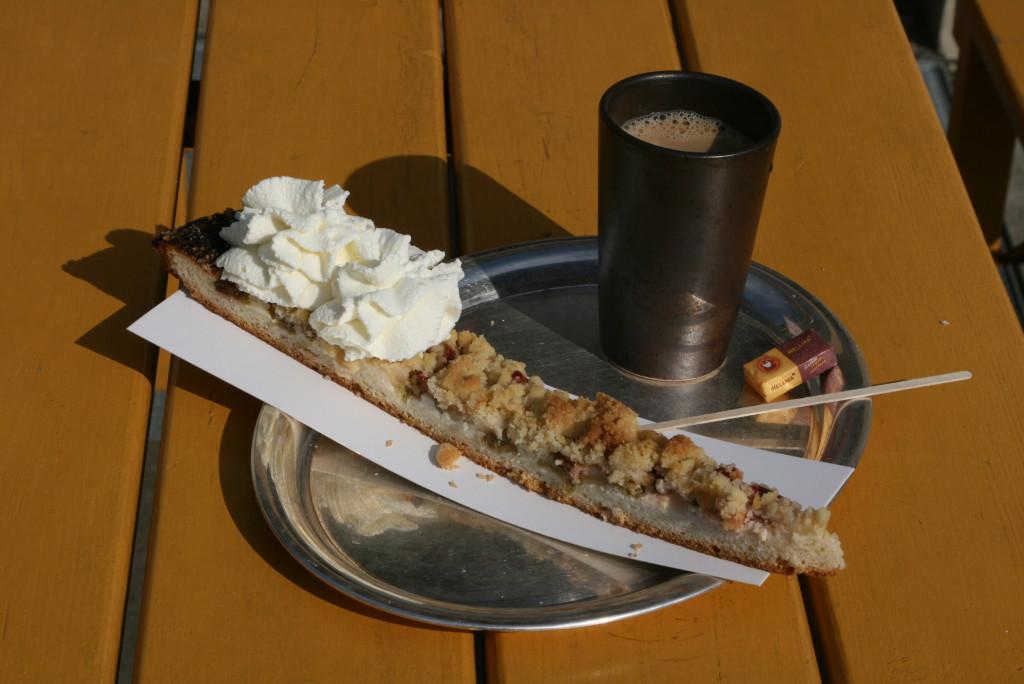 Tak karmią w Niemczech - wydaje Ci się, że porcja dla wróbelka, a ostatecznie oszukują Cię i zjadasz 4 kawałki ciasta ukryte w jednym pasku