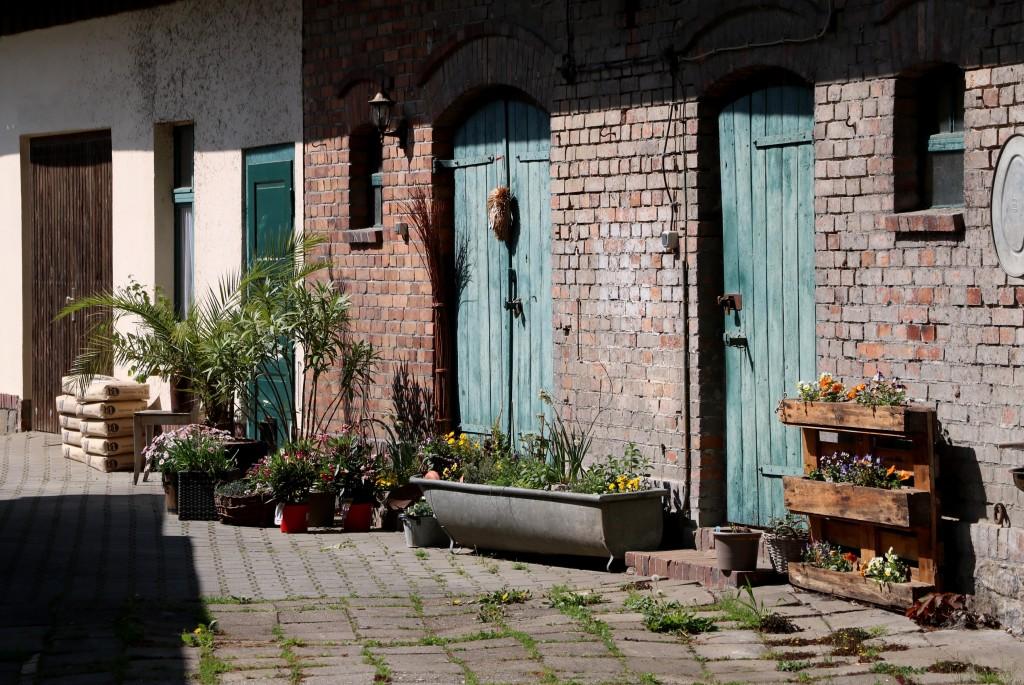 Nietuzinkowe podwórko w Lehde